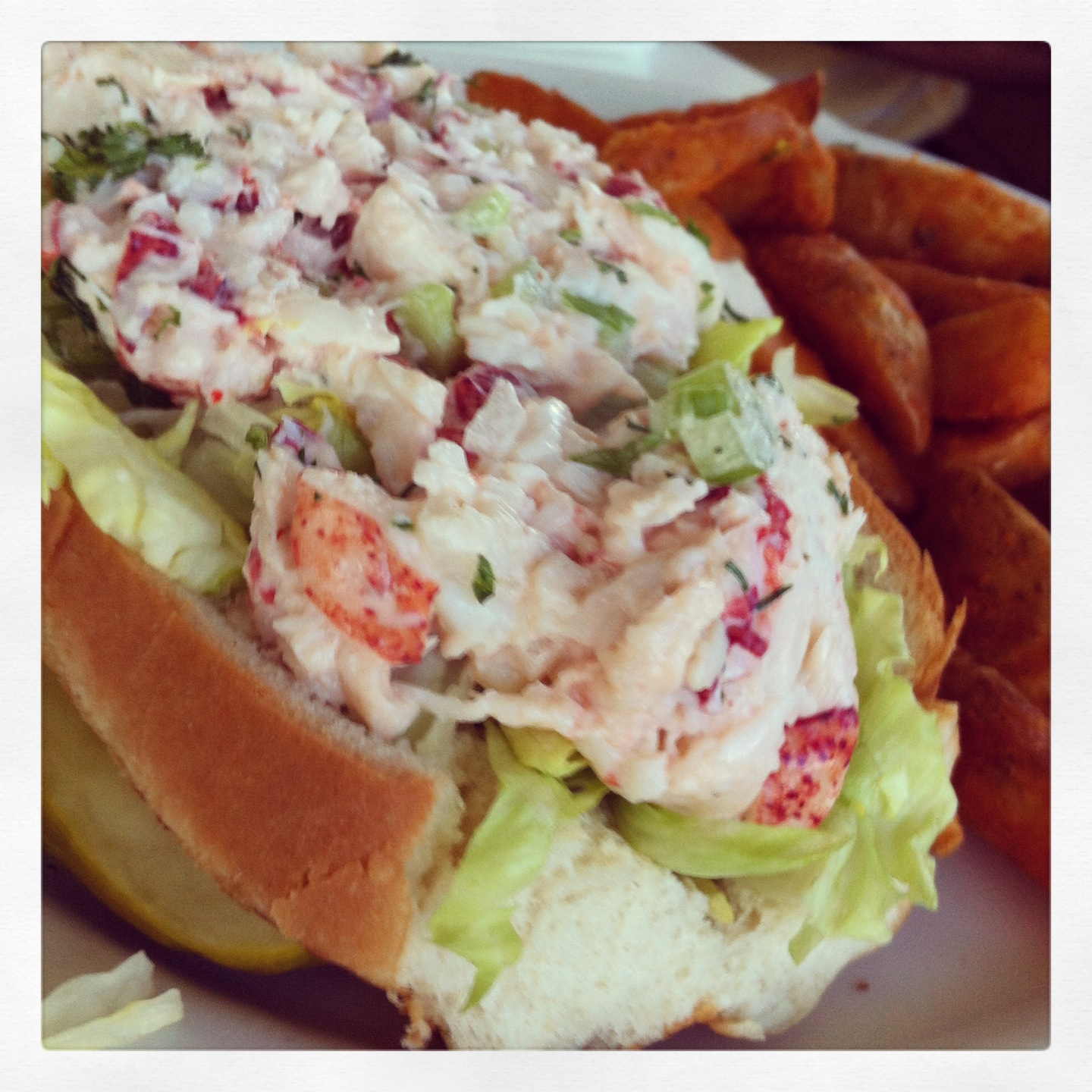 Waterway Cafe Lobster Roll Eat Palm Beach Everything That Matters About Food In Palm Beach