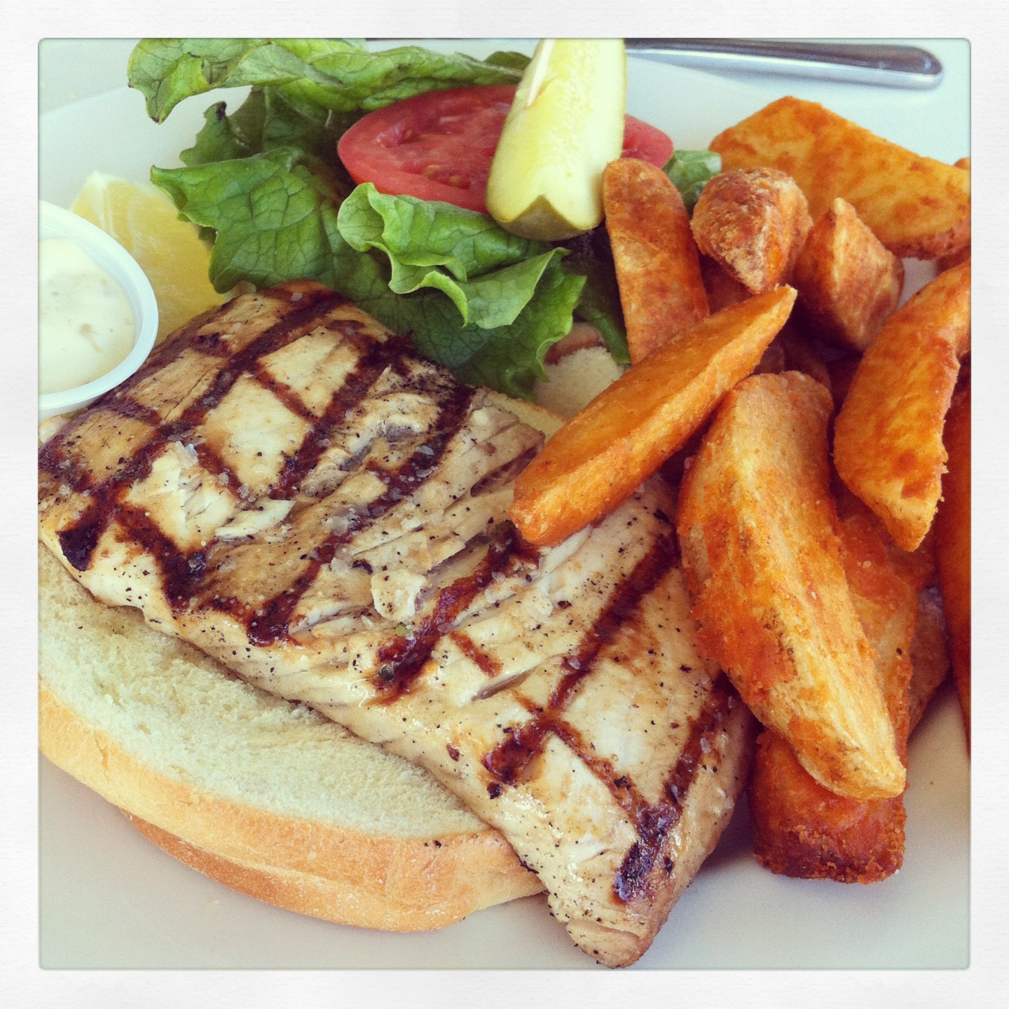 Waterway Cafe Mahi Sandwich Eat Palm Beach Everything That Matters About Food In Palm Beach