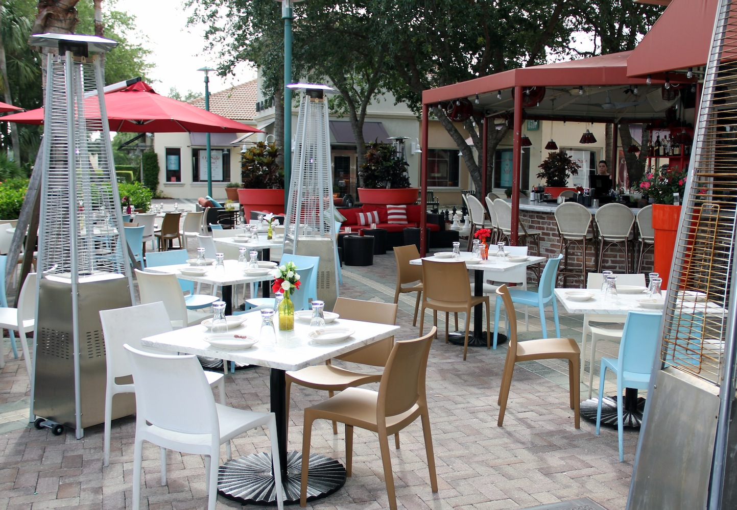 Vic And Angelos Pbg Exterior Eat Palm Beach Everything That Matters About Food In Palm Beach